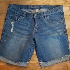 Mossimo Bermuda Jean Shorts. Size 7.
